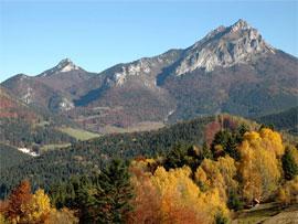 hory v okoli chaty